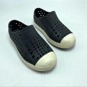 Native sneaker water shoe size 8